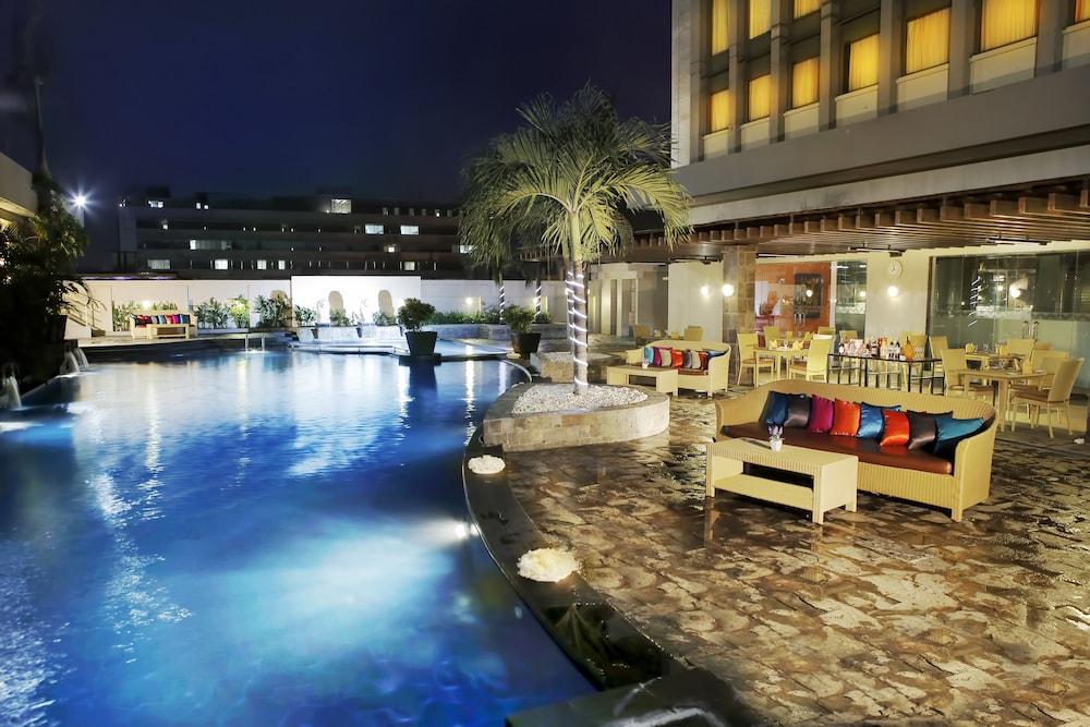 艾巨港麗雅度塔飯店