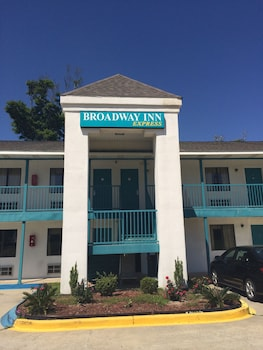 Pet Friendly Hotels Near Mississippi Coast Coliseum In Biloxi From