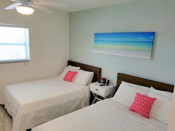 聖彼得海灘套房 St Pete Beach Suites