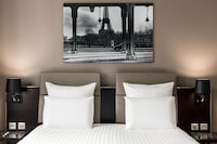 Superior Room, 2 Twin Beds, City View