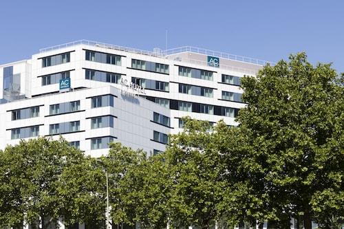 AC Porte Maillot Hotel, Hauts-de-Seine