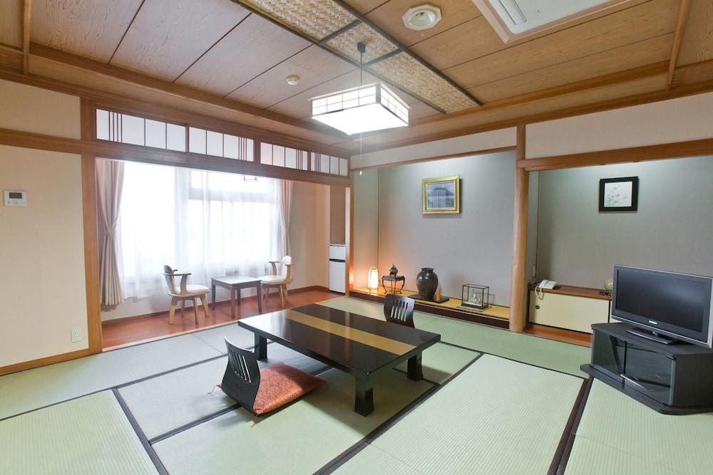 온센 호텔 나카하라 베소 -금연, 방진 설계(Onsen Hotel Nakahara Bessou-Non Smoking, Earthquake retrofit) Hotel Image 22 - In-Room Dining