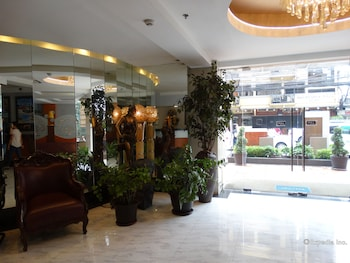 Silver Oaks Suite Hotel Manila Interior Entrance