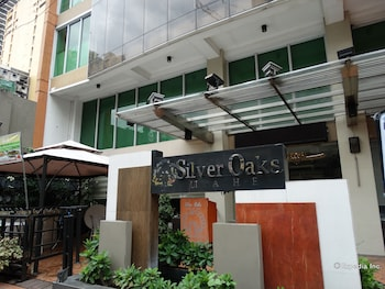 Silver Oaks Suite Hotel Manila Featured Image