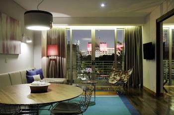 Suite (Palo Santo)