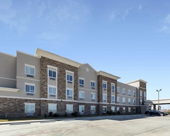 Hotel - Quality Inn & Suites Victoria East