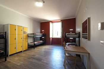 Basic Shared Dormitory, Multiple Bedrooms