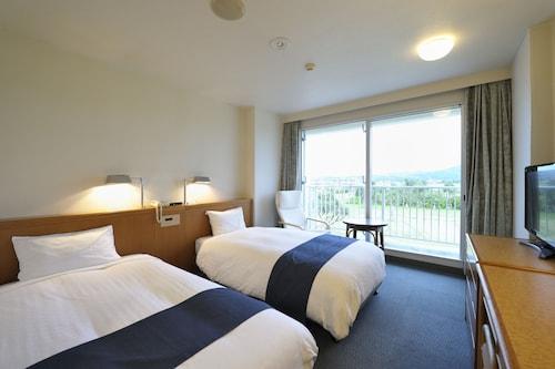 . Kumejima Eef Beach Hotel