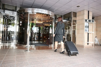HOTEL HIMEJI PLAZA Interior Entrance