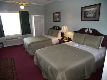 Superior Room, 2 Queen Beds, Balcony