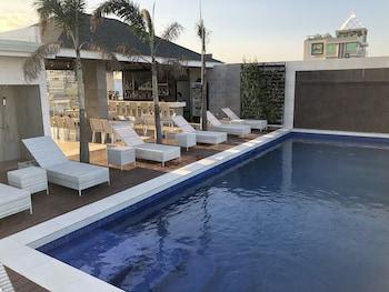 Apollonia Royale Hotel Clark Sundeck