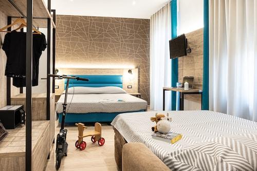 . Cuneo Hotel