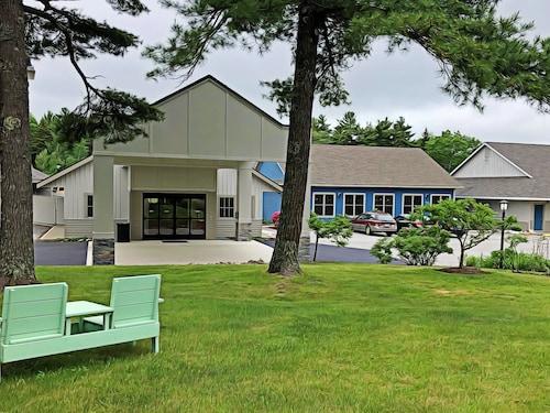 . Best Western Acadia Park Inn