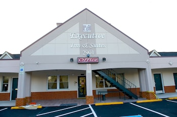 Hotel - Executive Inn And Suites