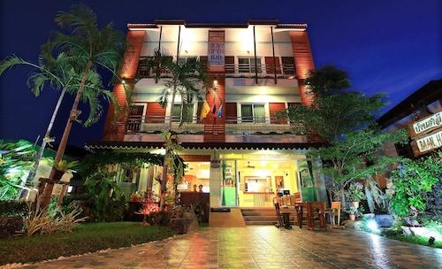 Baan HalleHallo, Pulau Phuket