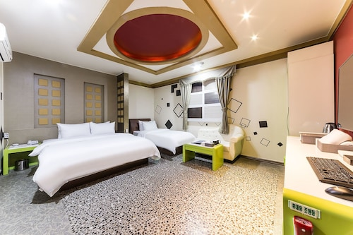 Hotel Millennium, Goyang