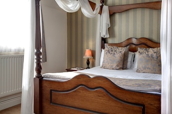 Superior Suite, 1 Double Bed, Non Smoking (Four Poster Bed)