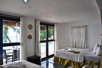 The Beach House Resort Boracay Bathroom