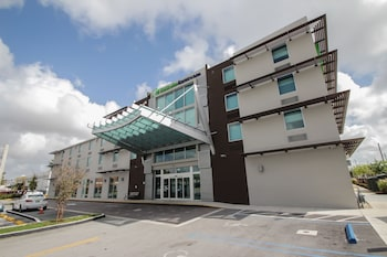 Hotel - Holiday Inn Express & Suites Miami Airport East