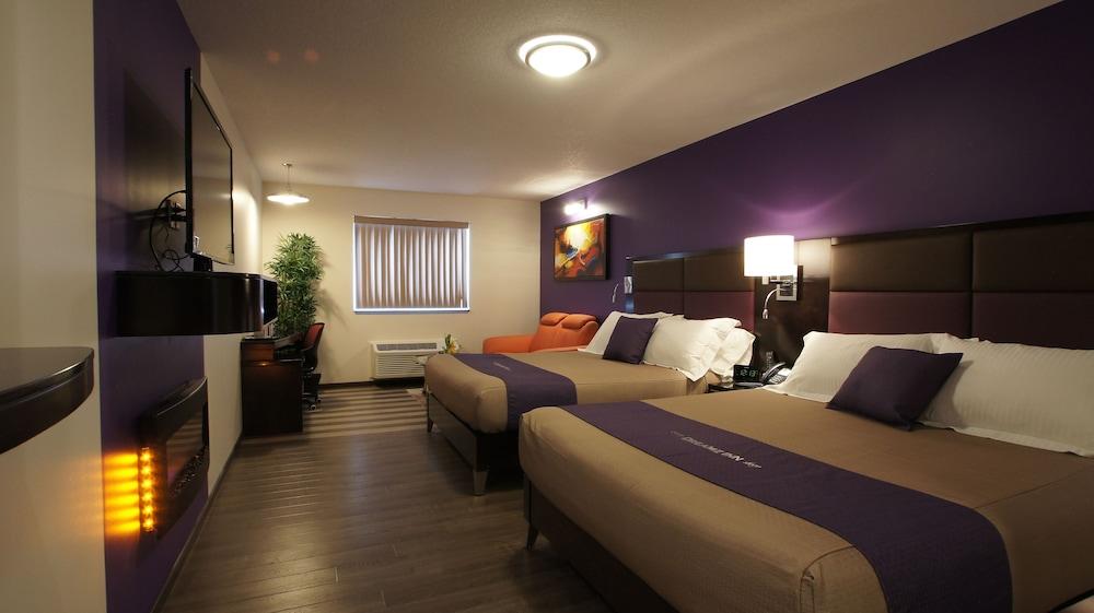 Dreamz Inn, Huron