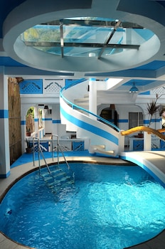 Puerto Galera Beach Club Indoor Pool