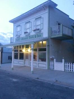 All Aboard Cafe & Inn