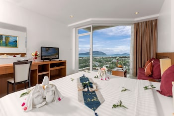 Deluxe Room, 1 Double or 2 Twin Beds, Sea View