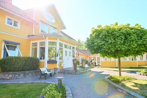 . Björkhaga Hotell & Konferens