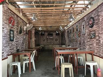 Wendy's Apartelle Boracay Dining