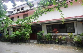Wendy's Apartelle Boracay Exterior