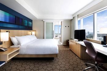 Room, 1 King Bed, Corner