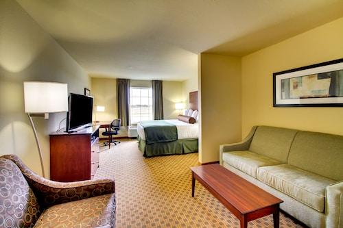 . Stanton Inn & Suites