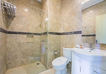 Royal Trawas Hotel & Cottages - Bathroom  - #0
