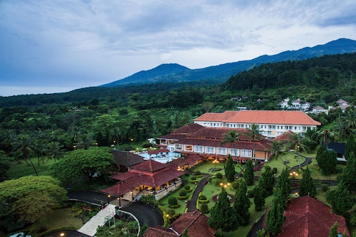 . Royal Trawas Hotel & Cottages