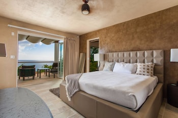 CéBlue Villas & Beach Resort