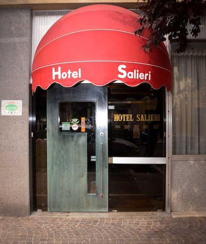 __{offers.Best_flights}__ Hotel Salieri
