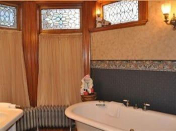 Charles Nelson Schmick House - Bathroom  - #0