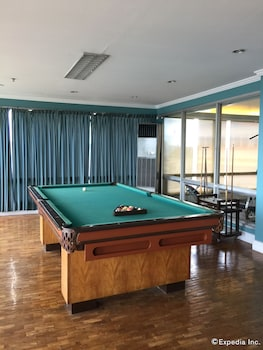 The Metrocentre Hotel and Convention Center Bohol Billiards