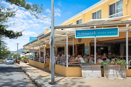 . Seabreeze Beach Hotel