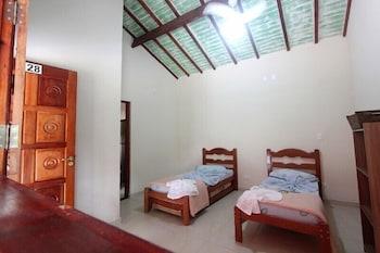 https://i.travelapi.com/hotels/9000000/8350000/8340200/8340178/58040be7_b.jpg