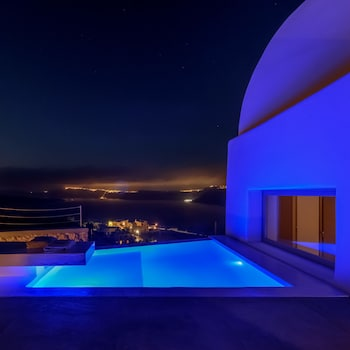 Earino Suites and Villas