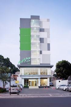 Hotel - Whiz Hotel Cikini Jakarta