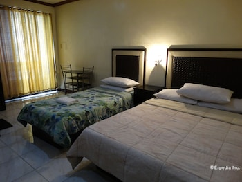 M Hotel Manila Guestroom