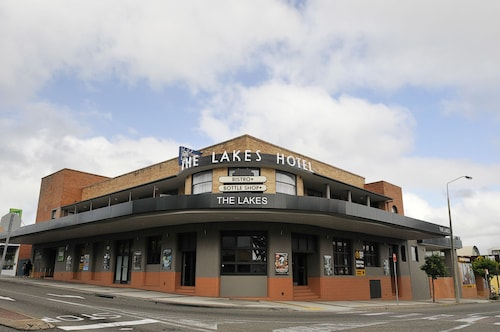 The Lakes Hotel, Wyong - South and West