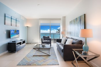 One-Bedroom Apartment - Ocean Front and Pool View