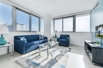One-Bedroom Apartment - Bay View with Partial Ocean View