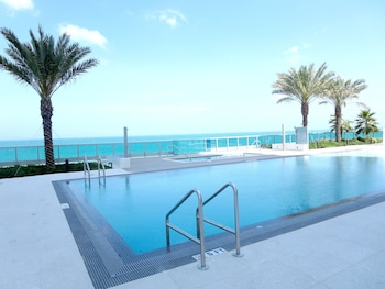 Hotel - Churchill Suites Monte Carlo Miami Beach