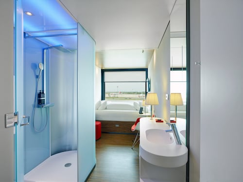 __{offers.Best_flights}__ citizenM Paris Charles de Gaulle