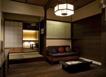 OYADO KIYOMIZU SHICHIFUKU Living Area