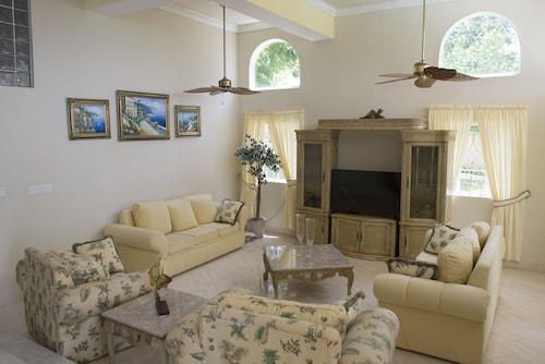 Celebrity Villa Jamaica,